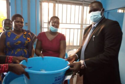 Expectant mothers in Kitgum get mother kits